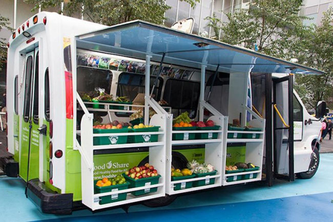 Converted Bus Brings Fresh Veggies to Low-Income Neighborhoods