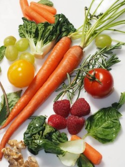 Fruits and Vegetables You Should Buy Organic (Dirty Dozen)
