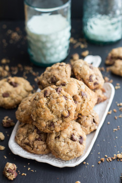 Oatmeal Chocolate Chip Cookies in 20 Minutes (Recipe)