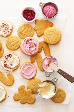 Vegan Sugar Cookies with Natural Food Coloring!