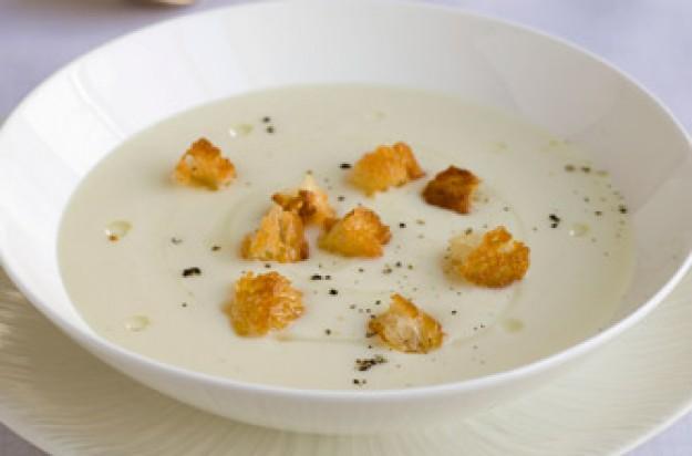 Gordon Ramsay's Cream of Cauliflower Soup Recipe (Easy!)